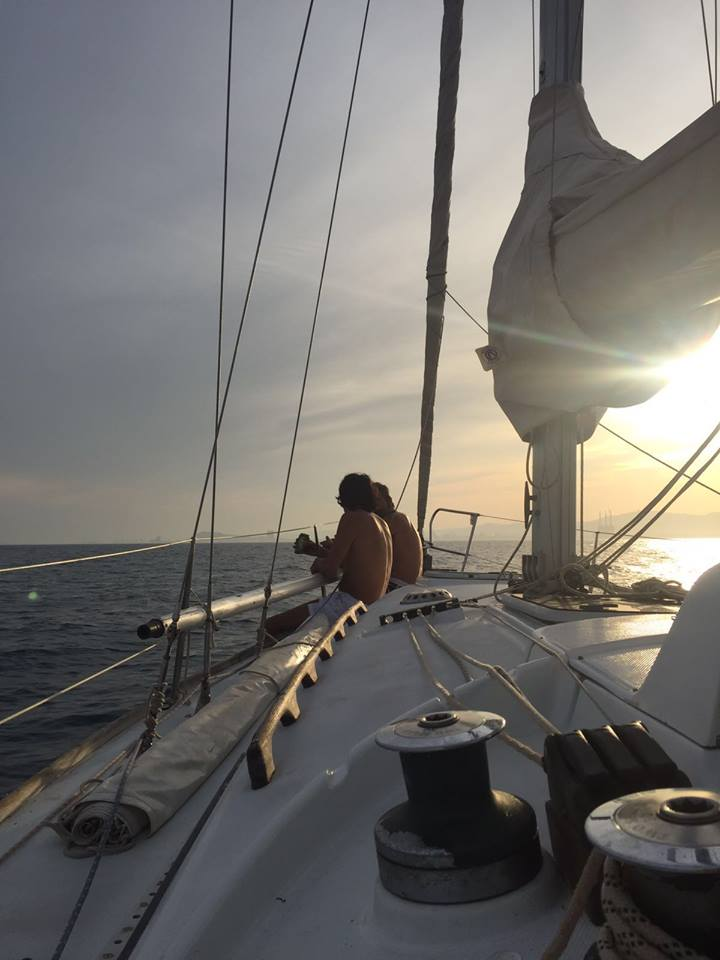 friends-sailing-at-sunset.jpg