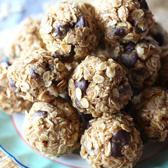 Healthy Snacks - Chia Pudding ParfaitOven Roasted ChickpeasPumpkin Protein BallsProtein Energy Balls