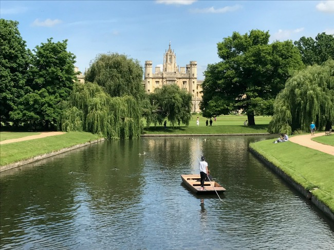 Punting, Cambridge University, River Cam, Day Trip
