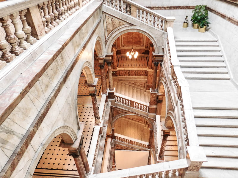 Sign up for a tour of Glasgow City Chambers, Scotland