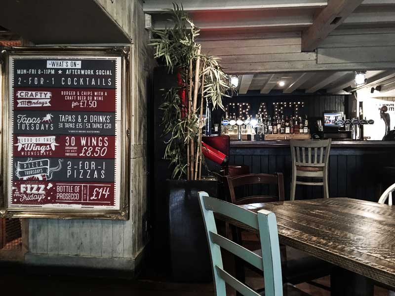 The Sailor's Arms servicing delicious pub food in the heart of Newquay, Cornwall
