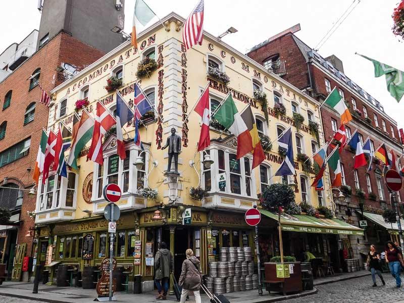 Colourful Irish Pub in Temple Bar, Dublin