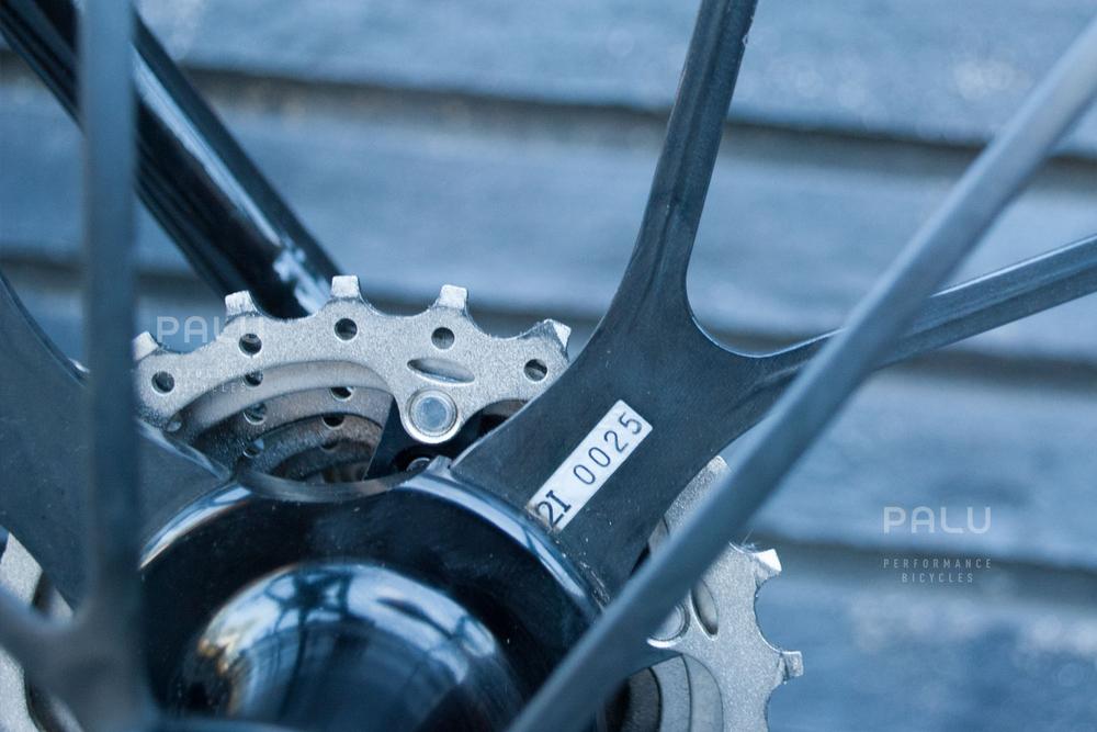 Palu-Pb002-Dedacciai-Carbon-Fibre-3k-Italian-Hand-Made-In-Italy-Custom-Hand-Tailored-Frame-Shimano-Ultegra-Di2-Groupset-Equinox-Wheelset-Carbon-Fibre-Rims-Spokes-Fizik-Arione-Braided-Saddle-London-black-09.jpg