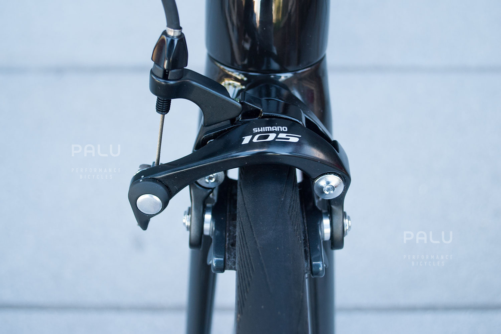 Palu-Pb002-Dedacciai-Carbon-Fibre-3k-Italian-Hand-Made-In-Italy-Custom-Hand-Tailored-Frame-Shimano-Ultegra-Di2-Groupset-Equinox-Wheelset-Carbon-Fibre-Rims-Spokes-Fizik-Arione-Braided-Saddle-London-black-14.jpg