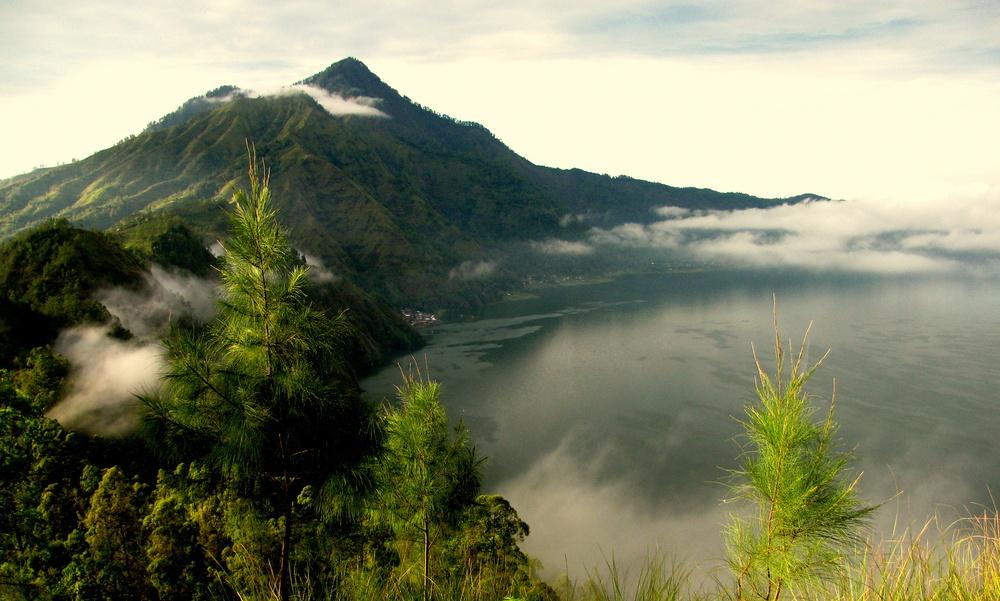 Batur-Caldera-Sunrise-Trekking-Bali-Hiking.jpg