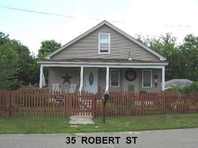 35 robert st, chicopee.jpg