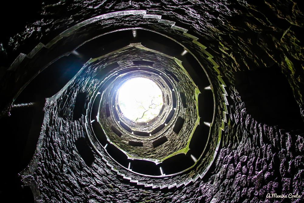 Poço Iniciático (Torre Invertida) - Quinta da Regaleira - Sintra