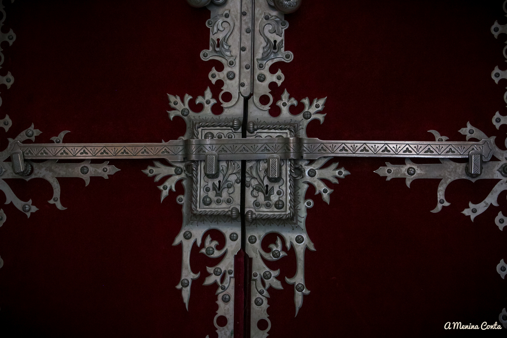 Pormenor de uma porta no Palácio da Quinta da Regaleira / Palácio do Monteiro dos Milhões - Sintra