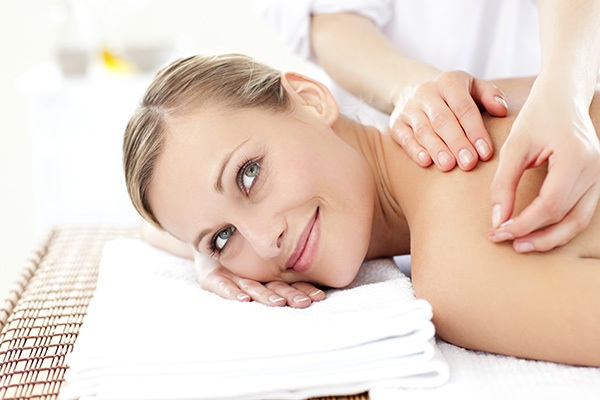 acupuncture-relax-blonde.jpg