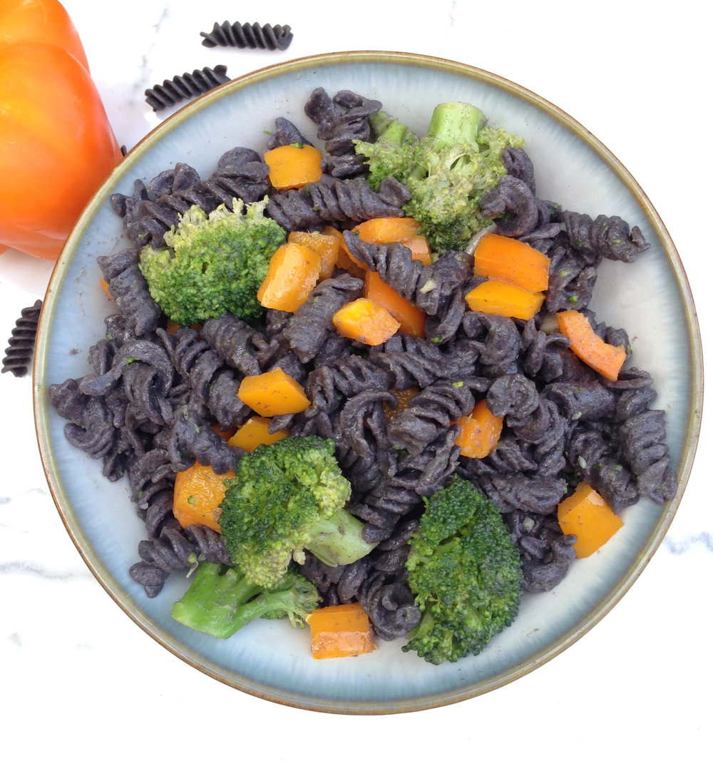 Protein packed black bean pasta with colorful broccoli and orange bell pepper for the perfect vegetarian one pot meal!