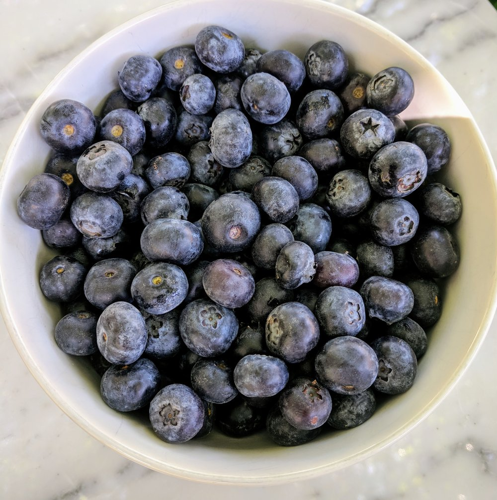 Blueberries are an acceptable option on the FODMAP diet, but limit to 20 berries.