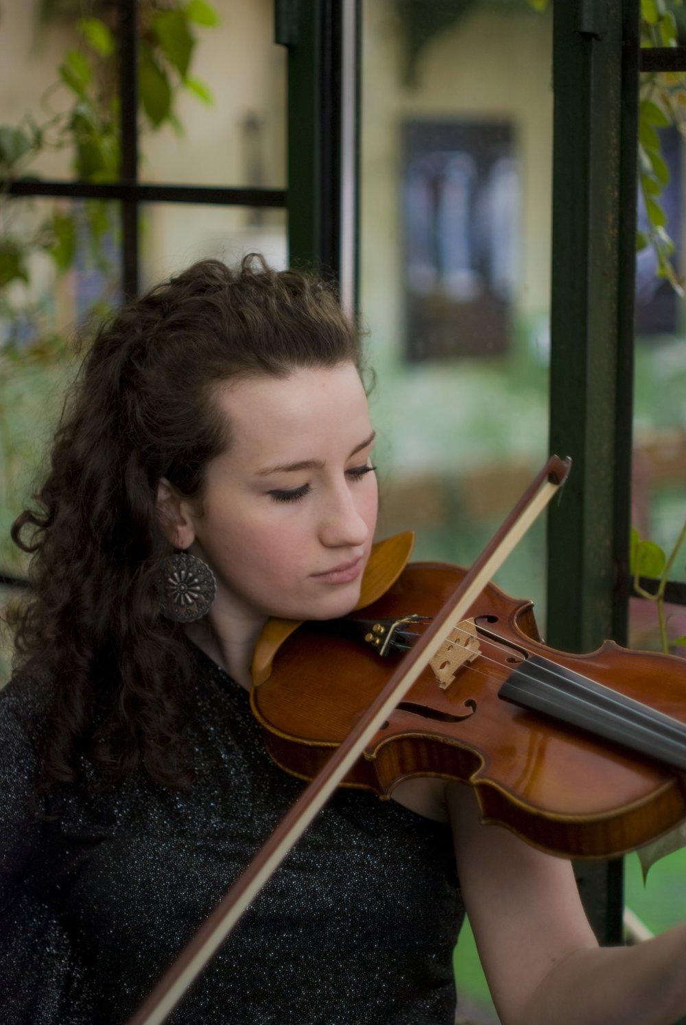 Violinist Hajnal Pivnick