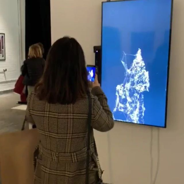 Virtual mirrors and brain waves