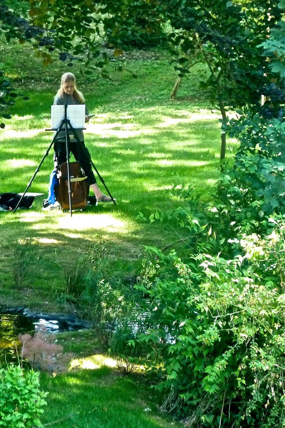 Cheri Ginsburg plein air painting near Monet's home, Giverny, France. The light...THE LIGHT!!!