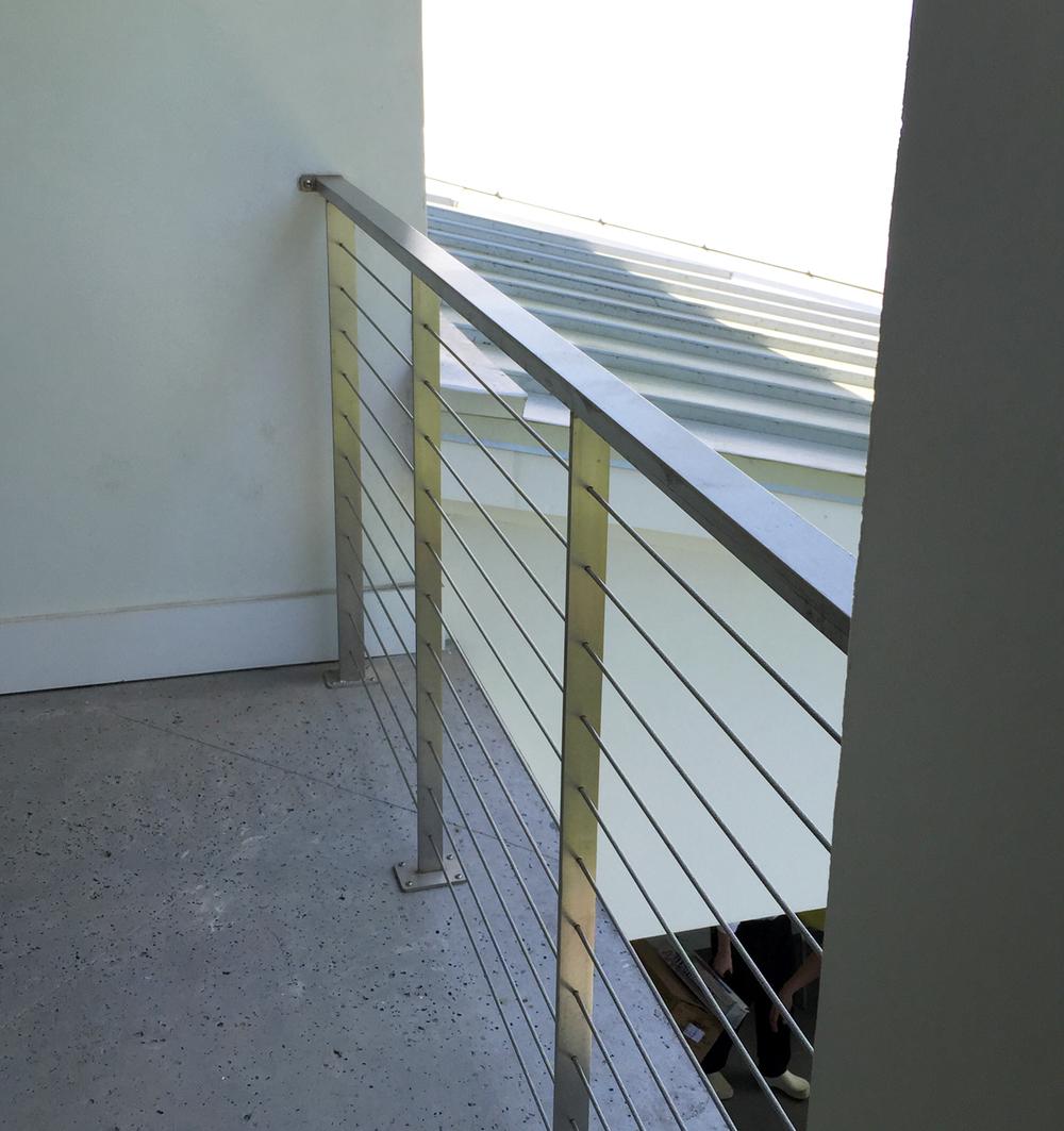 simmons ext railing.jpg