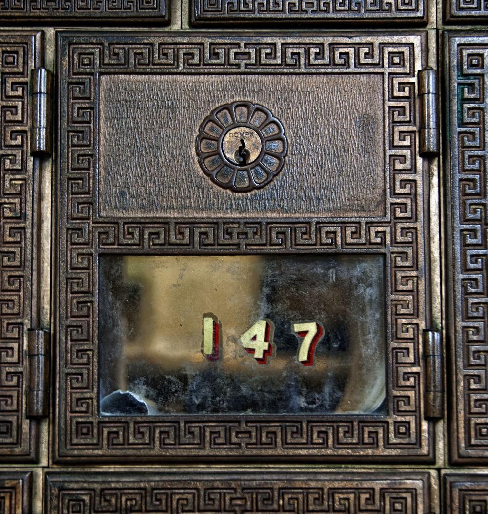 147-b.jpg