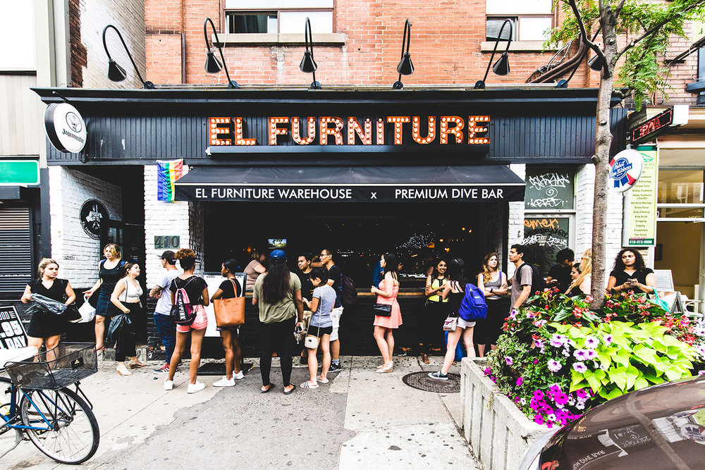 El furniture warehouse bloor st the warehouse group for Furniture w sale warehouse