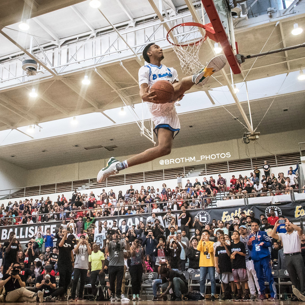 Arizona's freshman to be Terrance Ferguson won the slam dunk contest.   P  hoto: Brian Rothmuller