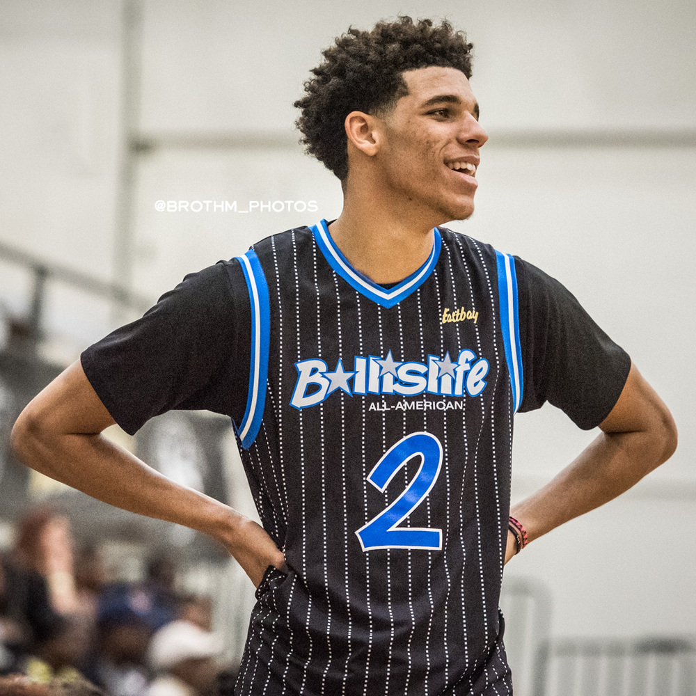 UCLA's freshman to be Lonzo Ball was all smiles during the game.   P  hoto: Brian Rothmuller
