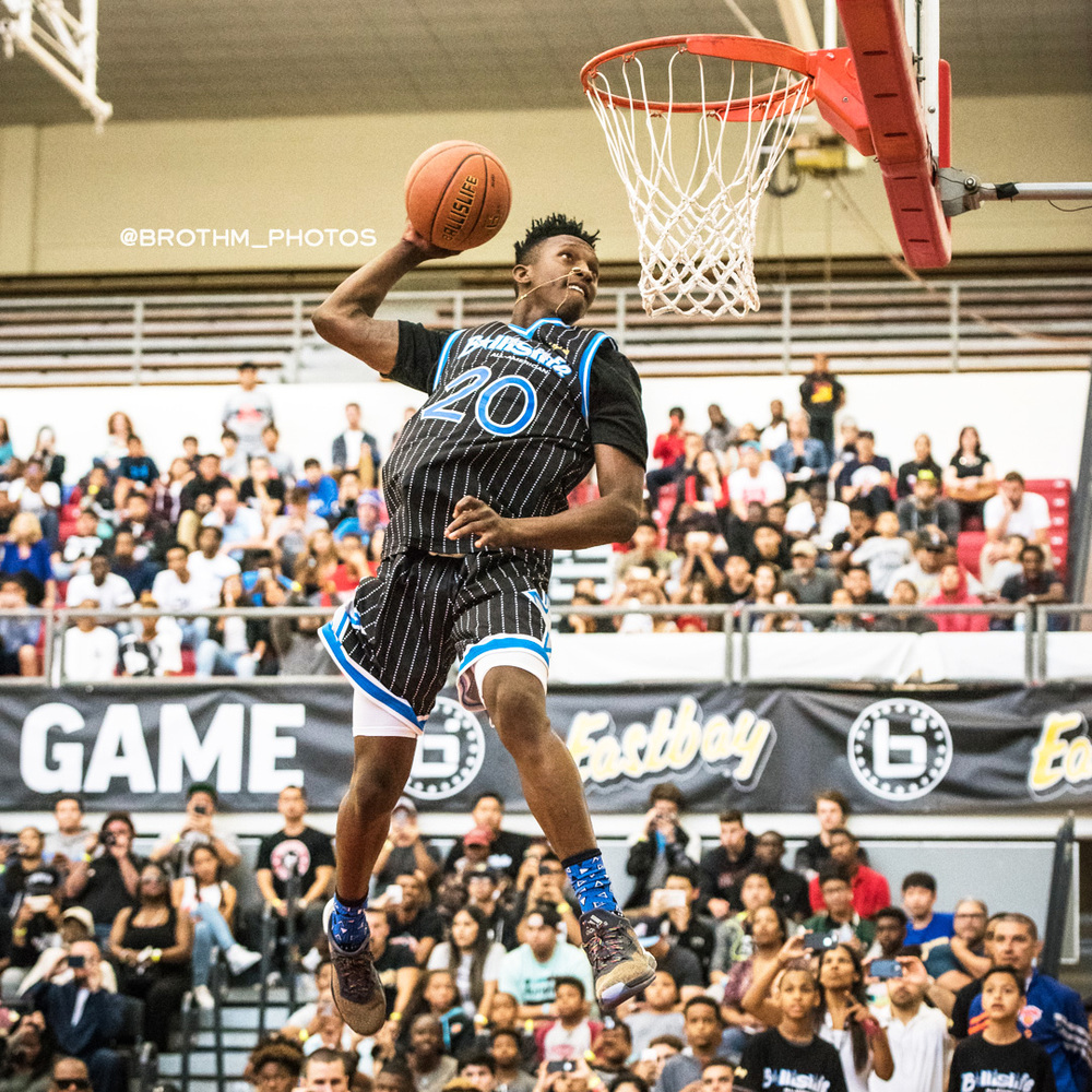 Tennessee's freshman to be Kwe Parker during the dunk contest.   P  hoto: Brian Rothmuller