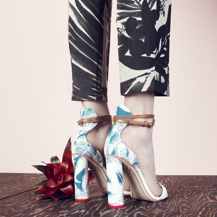79888ccf16246adc0a506e44682c8ddc--tropical-pattern-block-heels.jpg