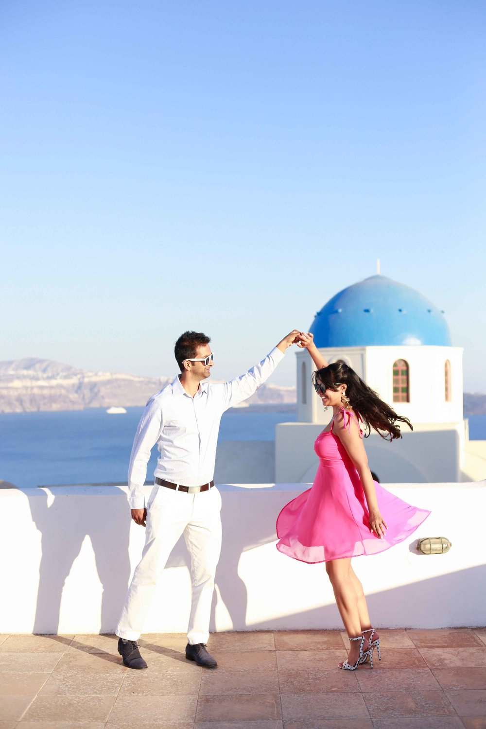 We love a good twirl (Santorini, Greece)