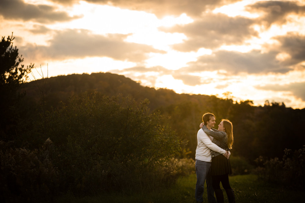 Pittsburgh Outdoor Engagement Pictures-19.jpg