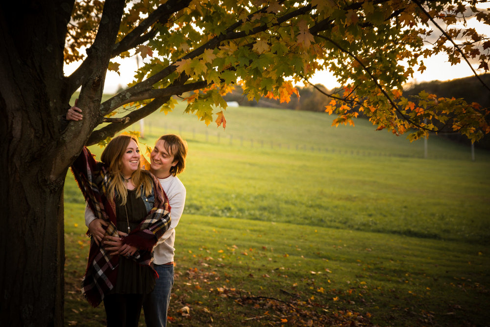 Pittsburgh Outdoor Engagement Pictures-20.jpg