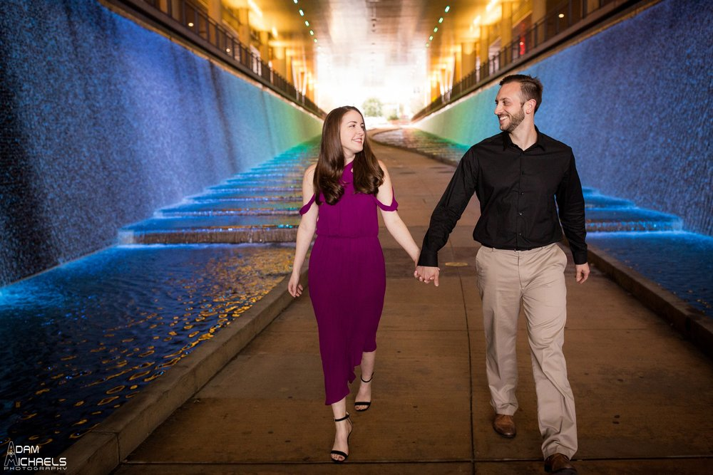 Downtown Pittsburgh Fall Engagement Pictures_1465.jpg