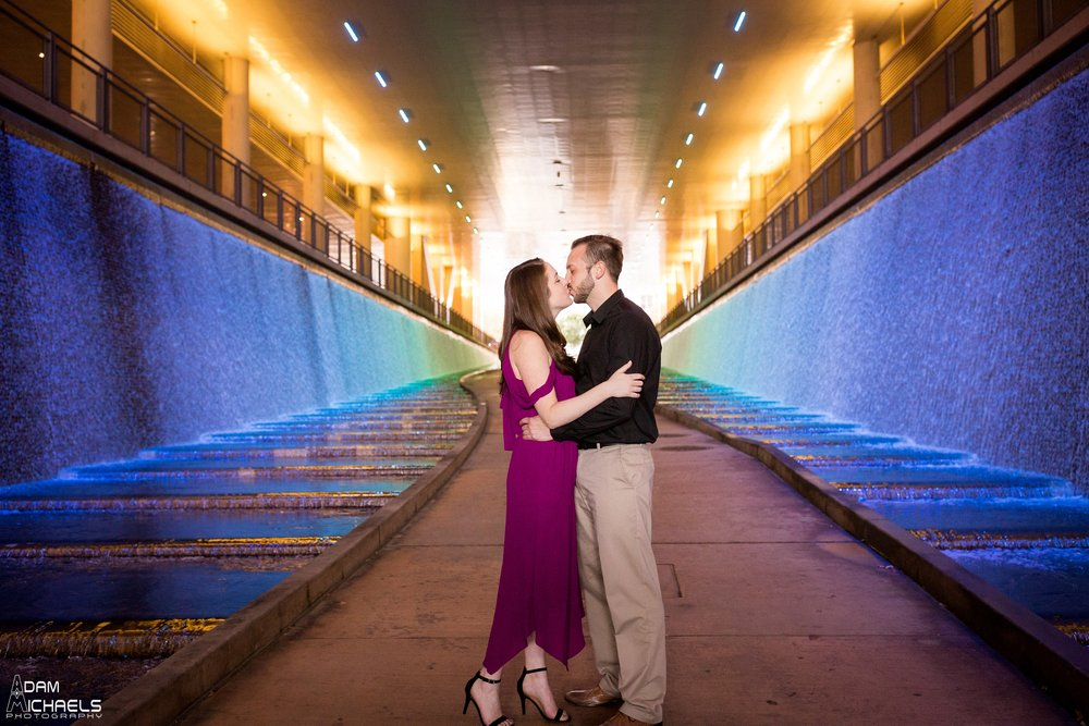 Downtown Pittsburgh Fall Engagement Pictures_1466.jpg