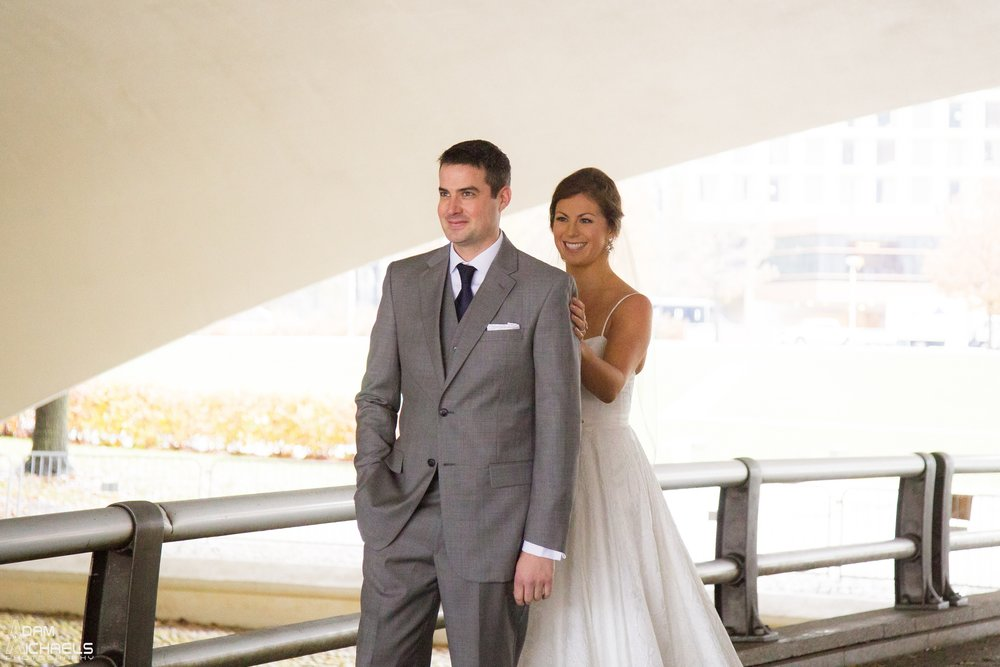 First Look Pittsburgh Point Wedding Pictures_1770.jpg