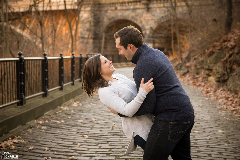Pittsburgh Winter Engagement Pictures_1828.jpg
