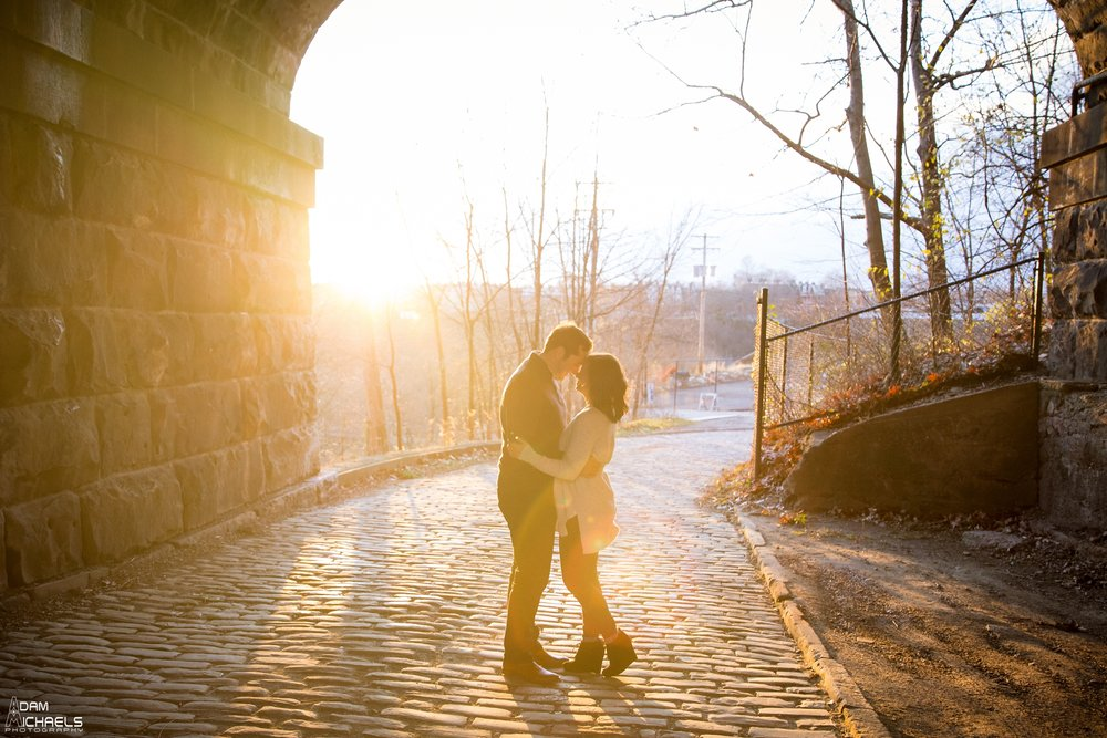 Pittsburgh Winter Engagement Pictures_1829.jpg
