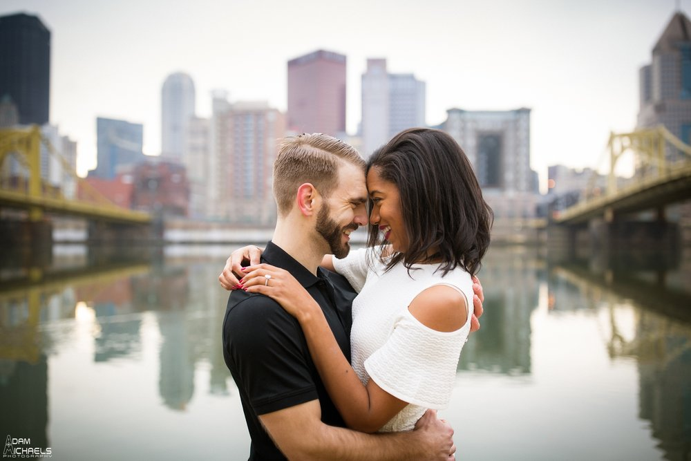 Clemente Bridge Beautiful Engagement Pictures_1853.jpg