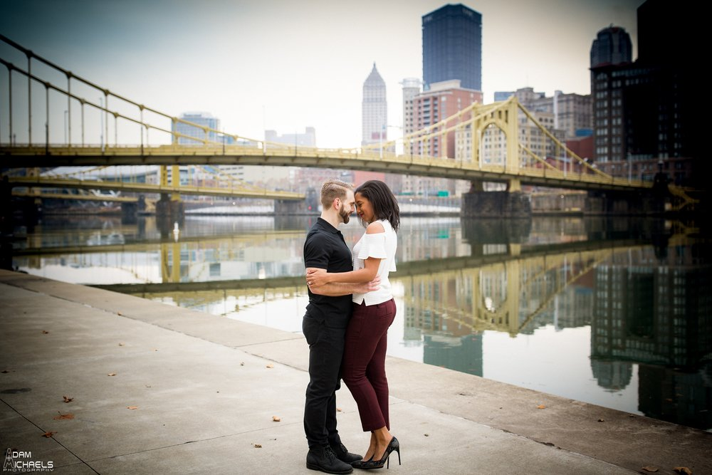 Clemente Bridge Beautiful Engagement Pictures_1856.jpg
