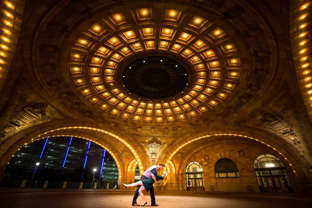 pennsylvanian rotunda Engagement Pictures.jpg