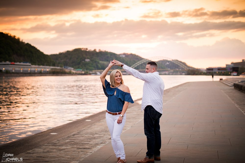 The Point Sunset Engagement Pictures_2223.jpg