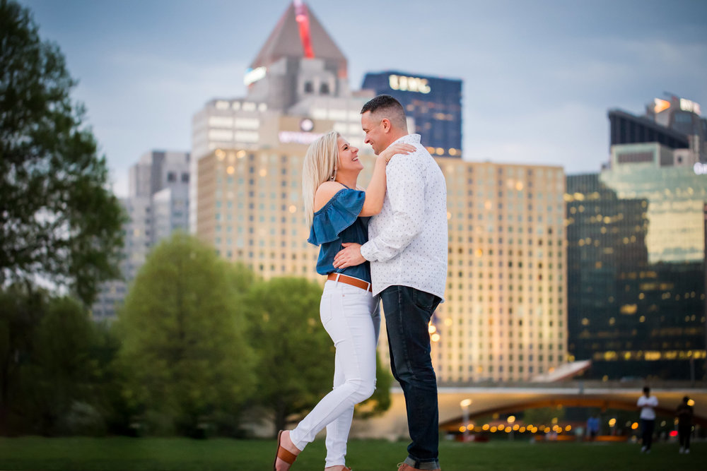 Pittsburgh Engagement Pictures-37.jpg