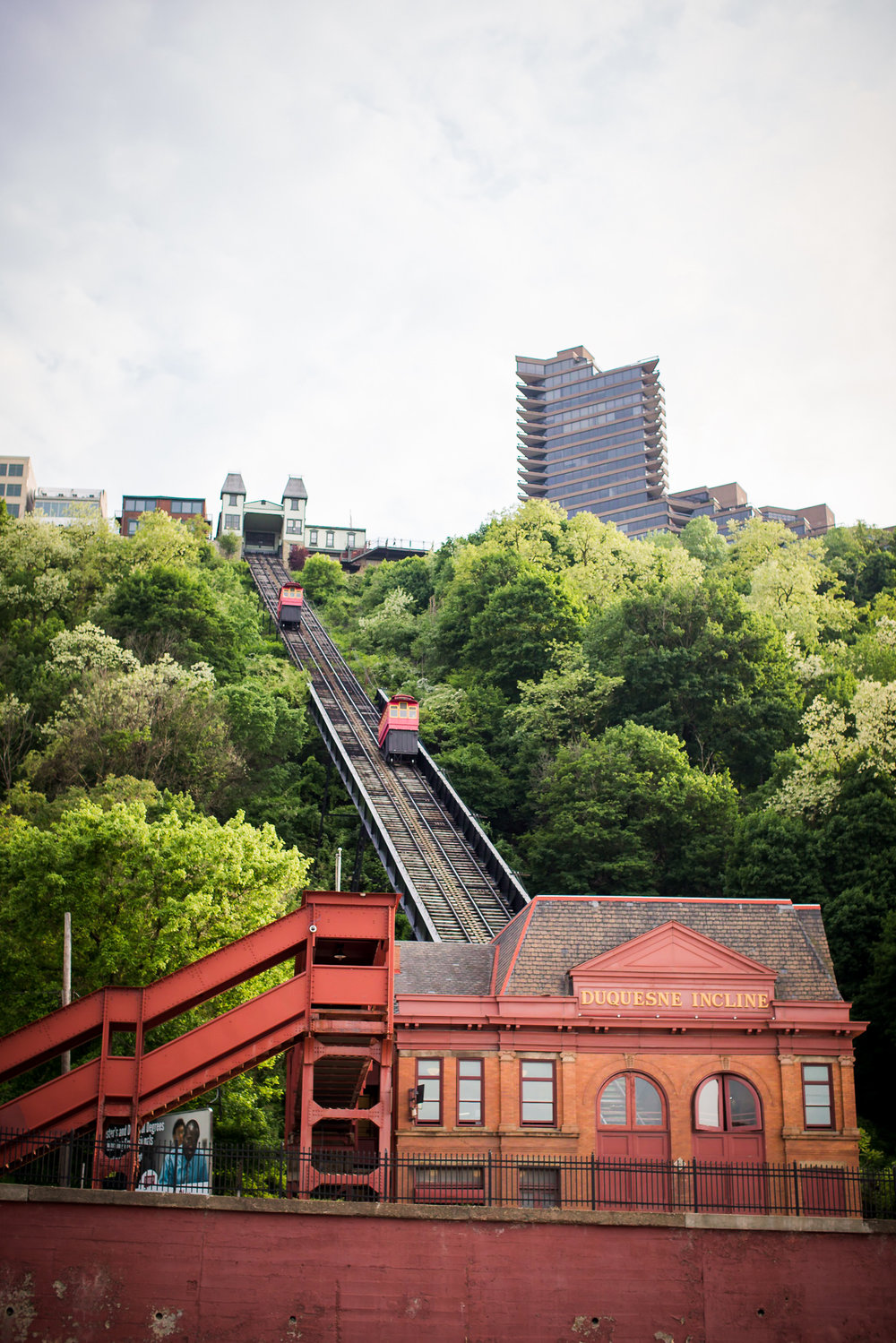 Station Square Duquesne Incline Wedding Engagement Picture locations-1.jpg