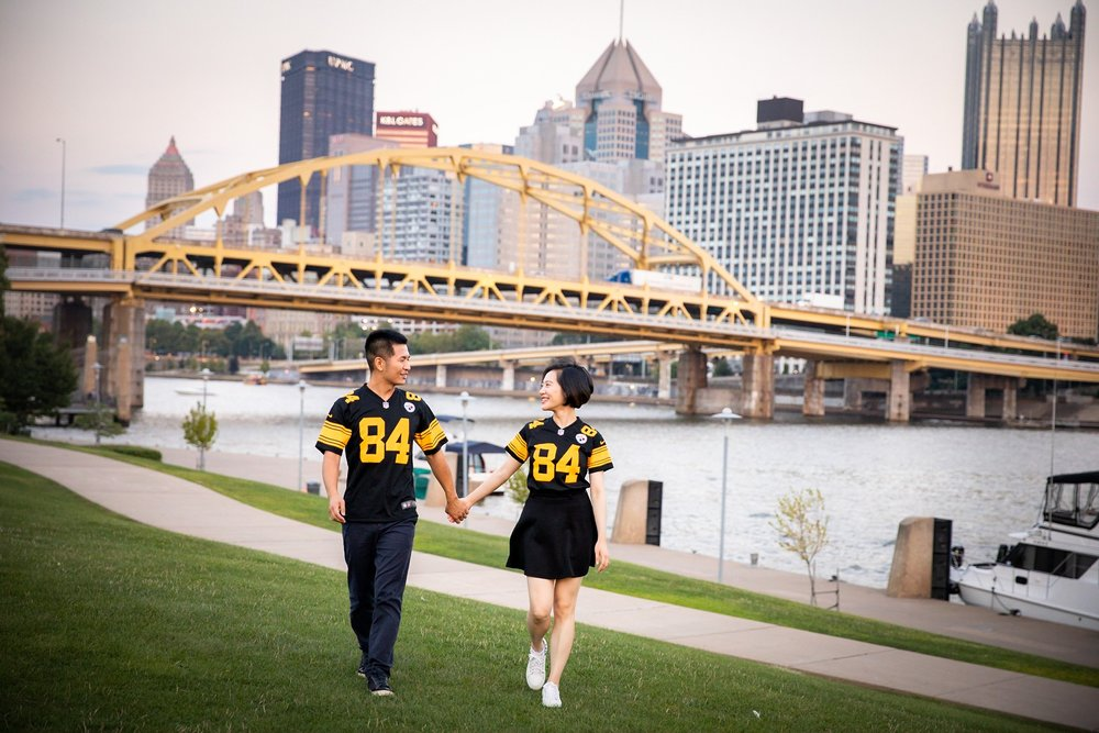 North Shore Riverwalk Pittsburgh Engagement Pictures_2572.jpg