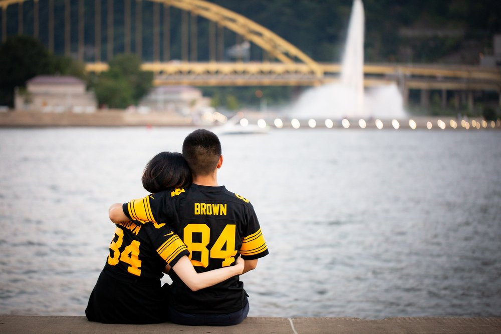 North Shore Riverwalk Pittsburgh Engagement Pictures_2573.jpg