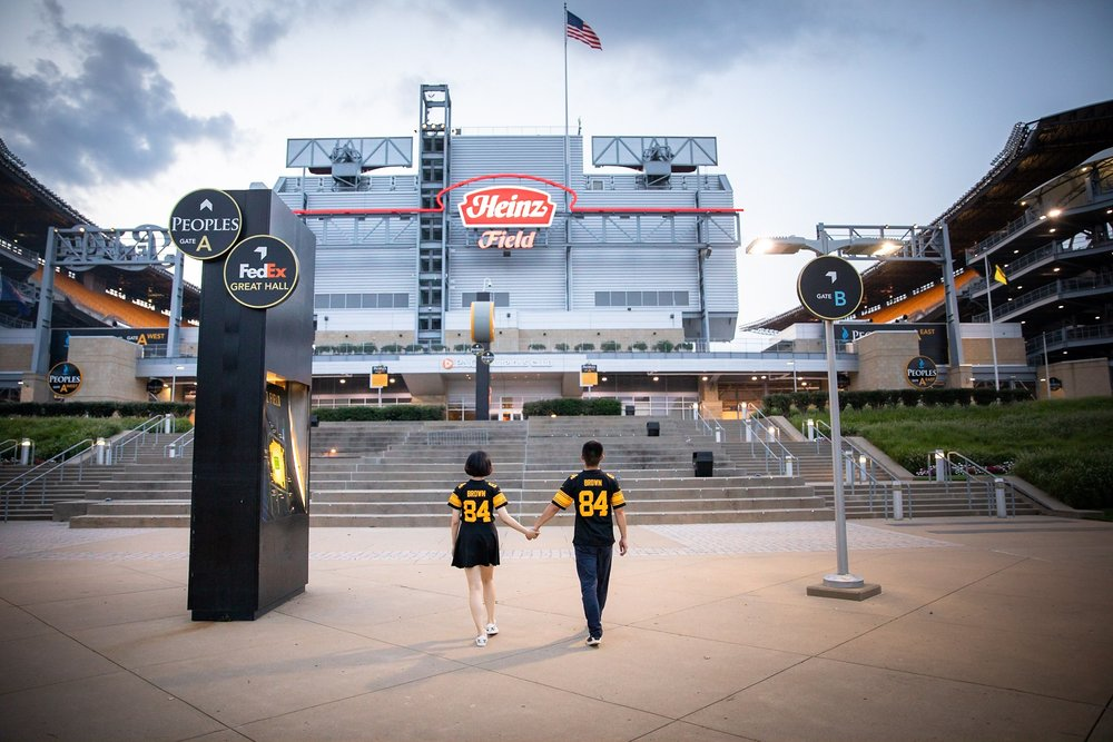 Heinz Field Pittsburgh Engagement Pictures_2579.jpg