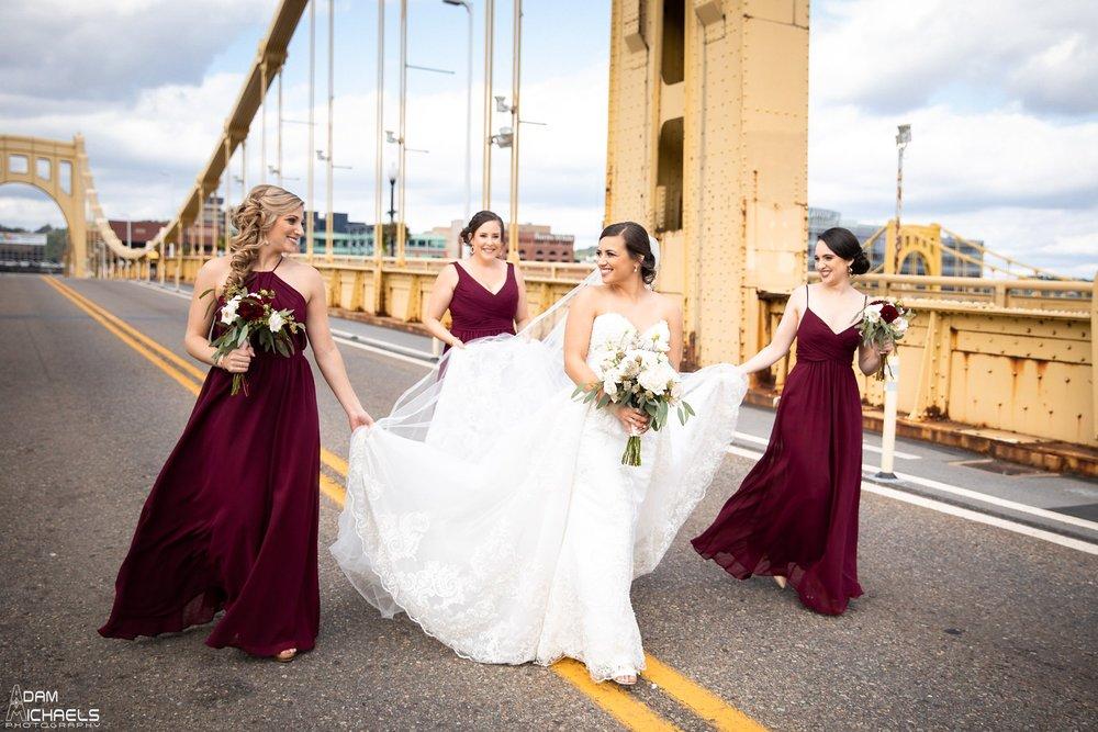 Pittsburgh Clemente Bridge Wedding Bridal Portraits _2599.jpg