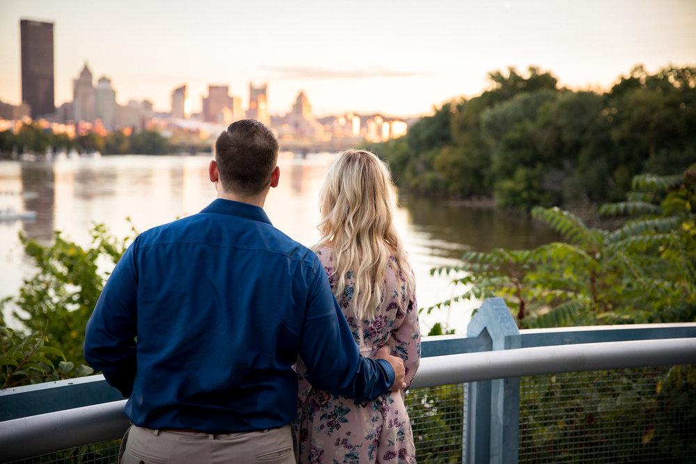 Washington's Landing Engagement Pictures-18.jpg