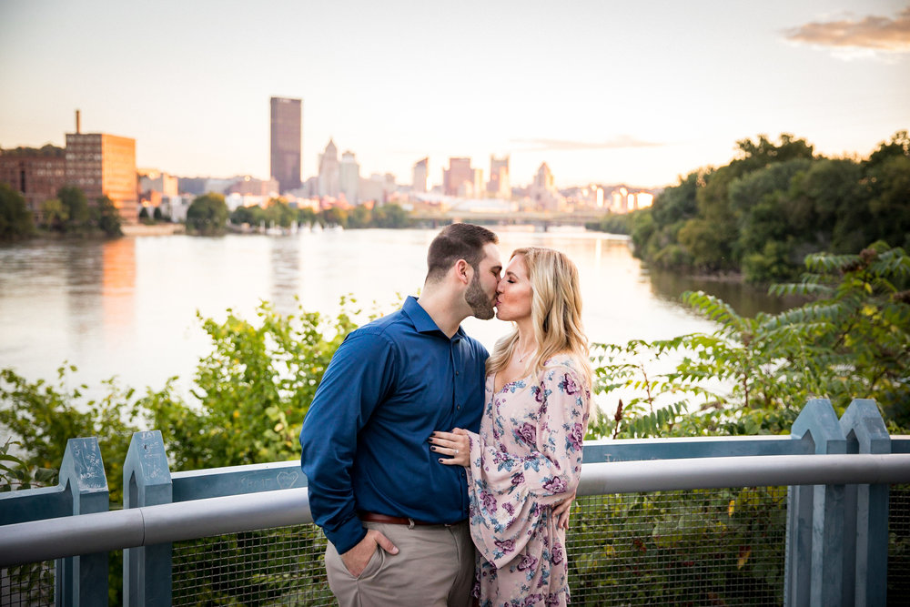 Washington's Landing Engagement Pictures-21.jpg