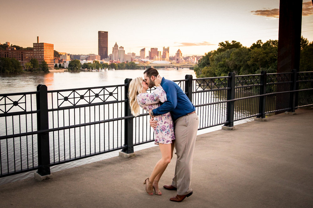 Washington's Landing Engagement Pictures-24.jpg