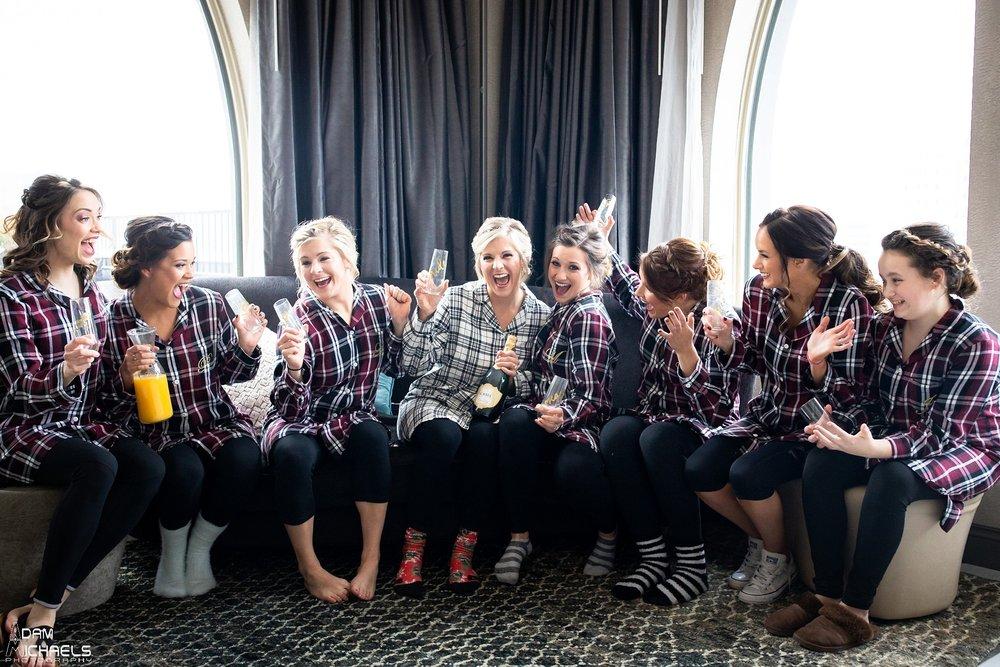 Pittsburgh Renaissance Hotel Wedding Bride Getting Ready_2874.jpg