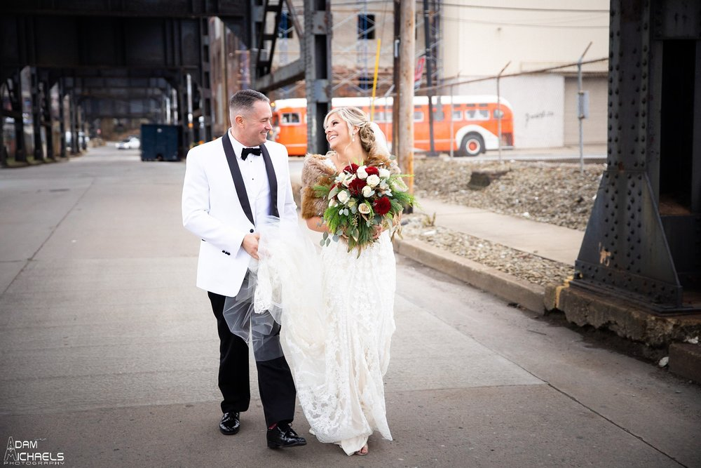 Pittsburgh Strip District 33rd Street Wedding Pictures_2902.jpg