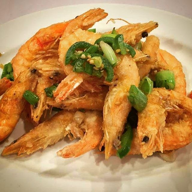 Have a bonding moment with your special someone this Valentine's weekend by shelling some Salt and Pepper Shrimp.  #yummychinesefood #happyvalentinesday #lovefood