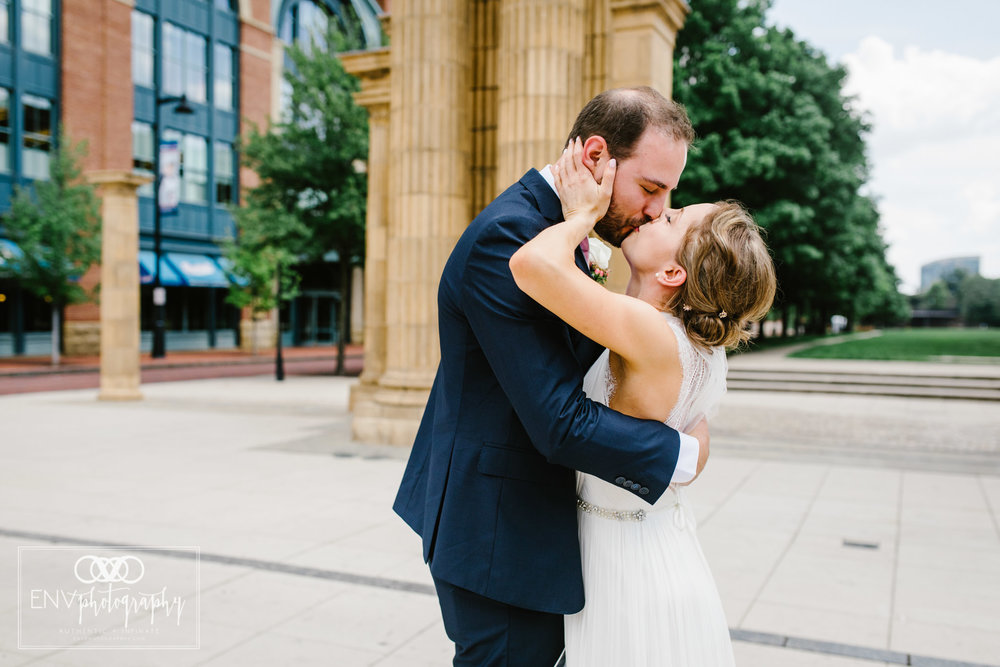 columbus ohio downtown wedding photography (18).jpg